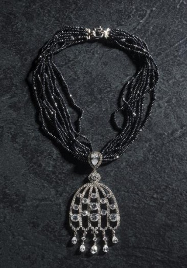 CH110 Necklace made of black spinel and pendant-with zircon