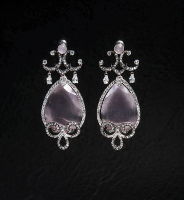 CH116 Earrings made of sterling silver with cat's eye stones and zircon