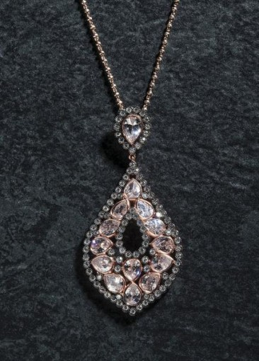 CH129 - Pendant with chain made of sterling silver with crystals and zircon